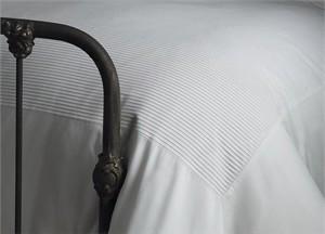 Tuxedo Pleat Duvet Cover